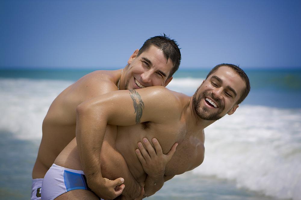 gay con gay