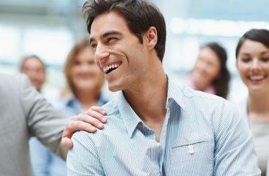 Como se aceitar gay: o que fazer para ser um homem homossexual bem resolvido